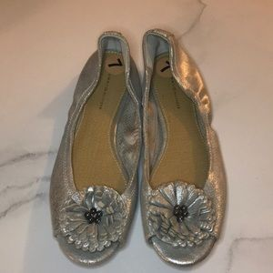 Tommy Hilfiger shoes, Silver, Size 7
